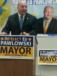 Mayor Pawlowski announces his re-election for Mayor at the IBEW Hall.