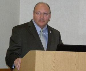Mayor-Pawlowski-at-podium1